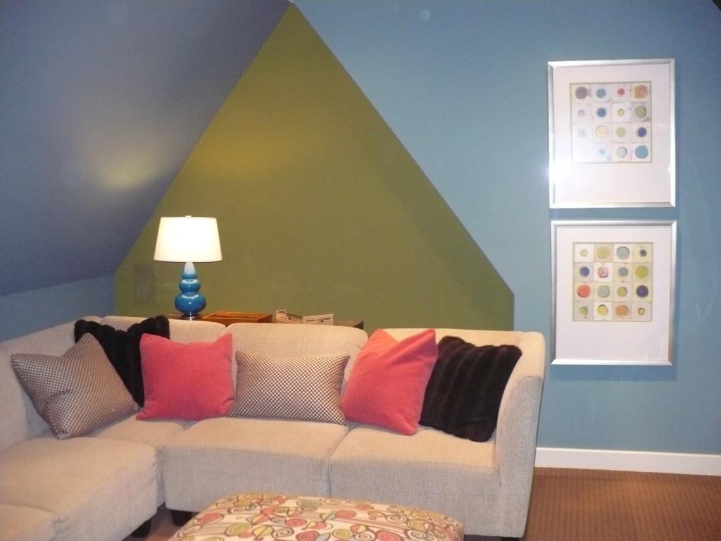 Distinctive interior design tip decorative pillows for Distinctive interior designs